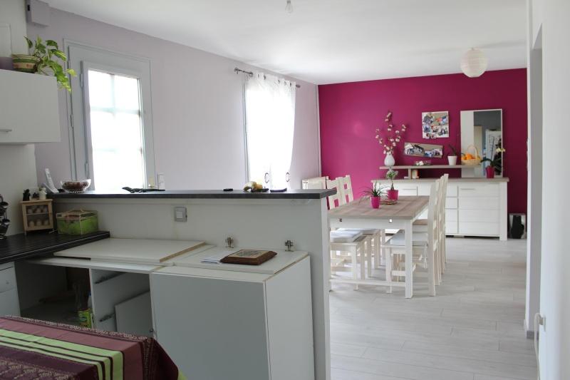 Salon / séjour avec des meubles gris Img_0417