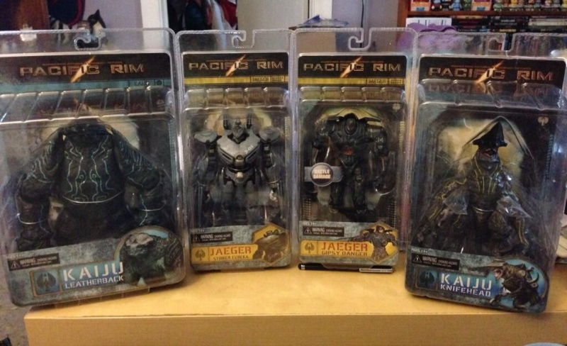 "SERIE ACTION FIGURES COMPLETA ""PACIFIC RIM"" Bxs_zr10"