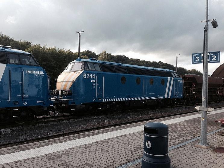 Les type 62/63 INFRA bleues et les grilles d'aération pour les P.C. 6244_m10