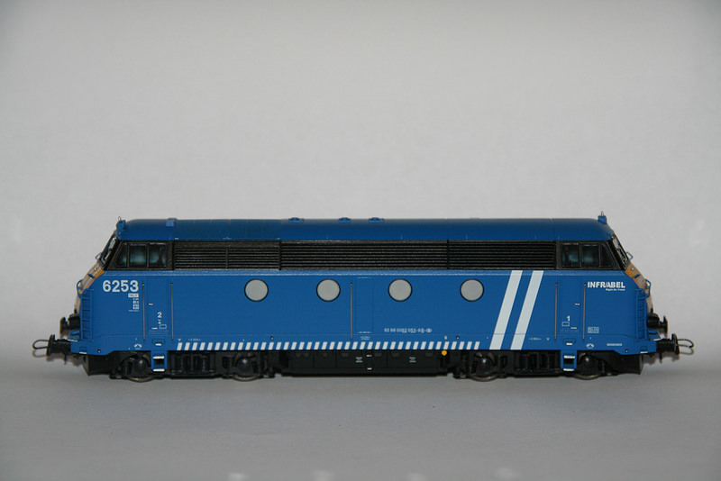 Les type 62/63 INFRA bleues et les grilles d'aération pour les P.C. 6253_v10