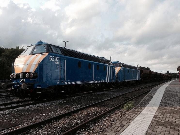 Les type 62/63 INFRA bleues et les grilles d'aération pour les P.C. 6297_m10
