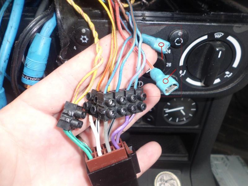 [ BMW E36 325 tds an 1994 ] Connection autoradio (résolu) - Page 2 Cimg0817