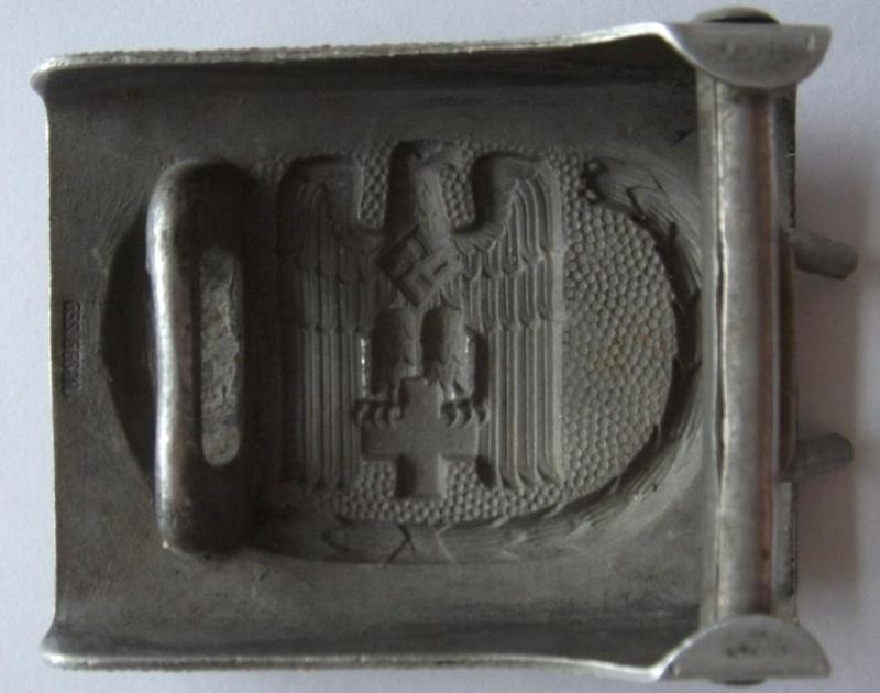 Boucles de ceinturon DRK modèle officier et troupe Dscf0712