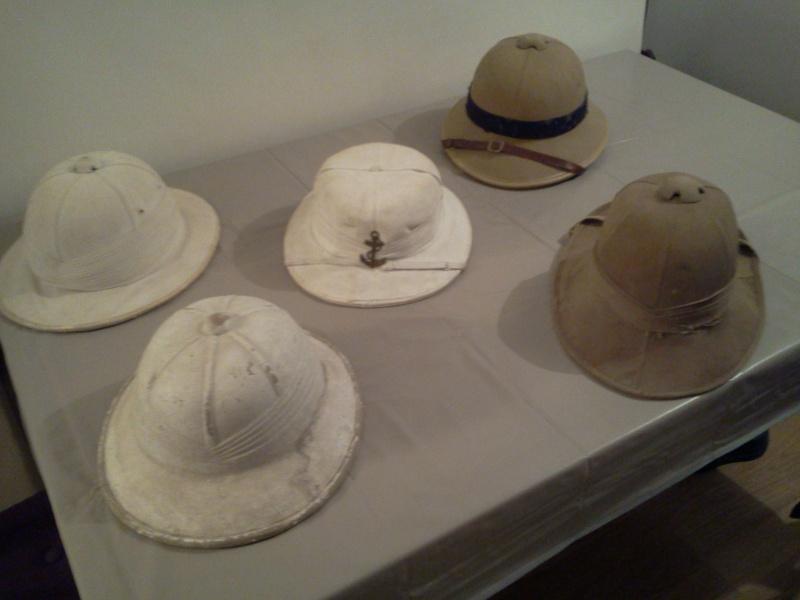 Montrez vos casques tropicaux - Page 3 Photo156
