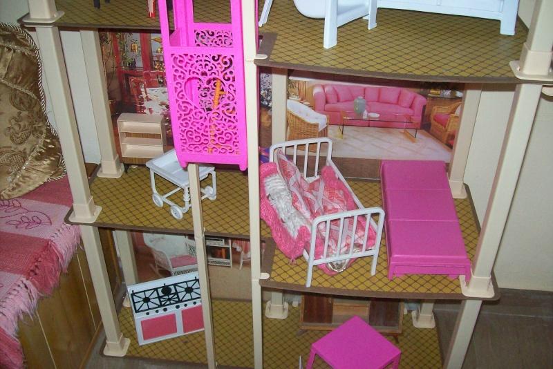Mobili Per La Casa Di Barbie : Compravendita casa di barbie usato usato point