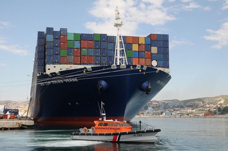 Vedette de surveillance (securité) maritime et portuaire Dsc_5110