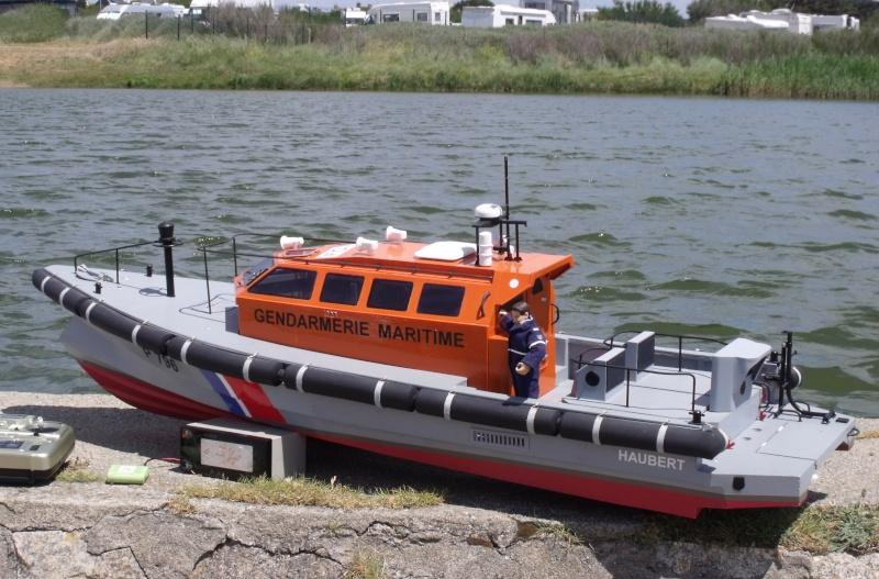 Vedette de surveillance (securité) maritime et portuaire Dscf2010