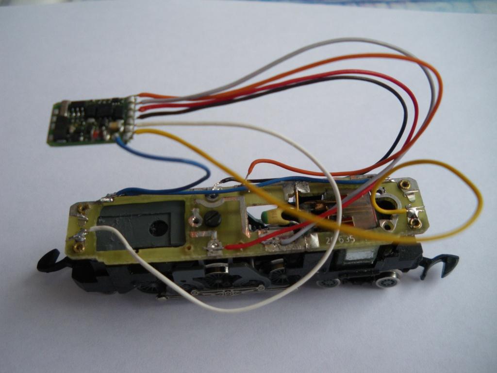Digitalisation AE 3/6 Marklin Z + décodeur Lenz SILVERmini+ 5imgp010