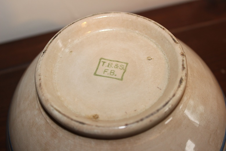 Ferrybridge Pottery. T Brown & Sons (Yorkshire) T_b10