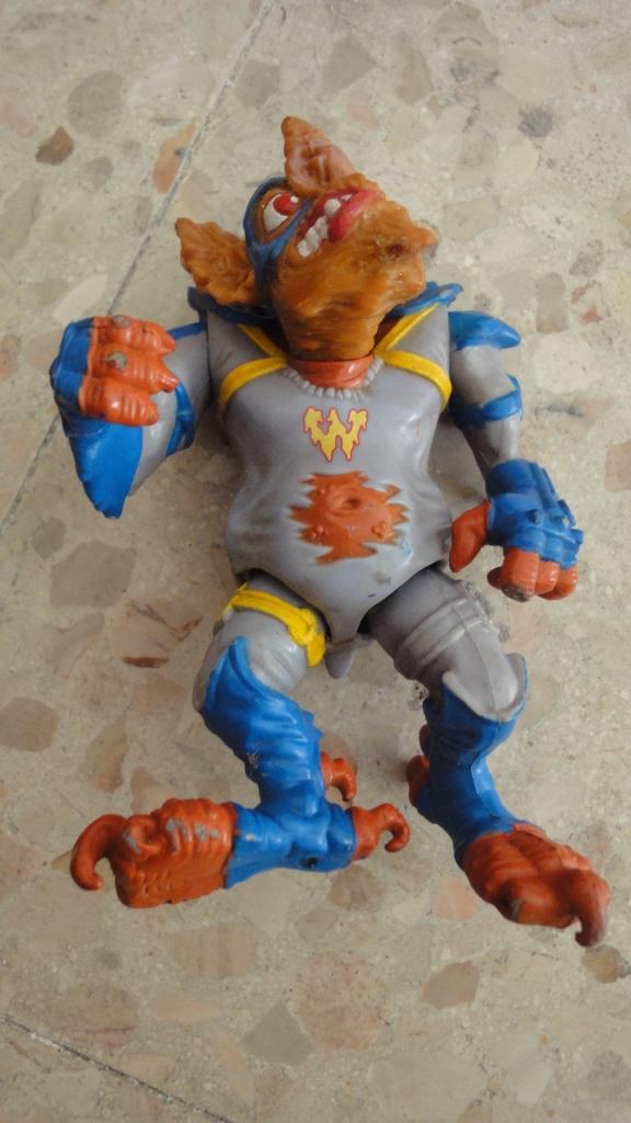 vendo/scambio giocattoli anni 80/90  Dsc05920