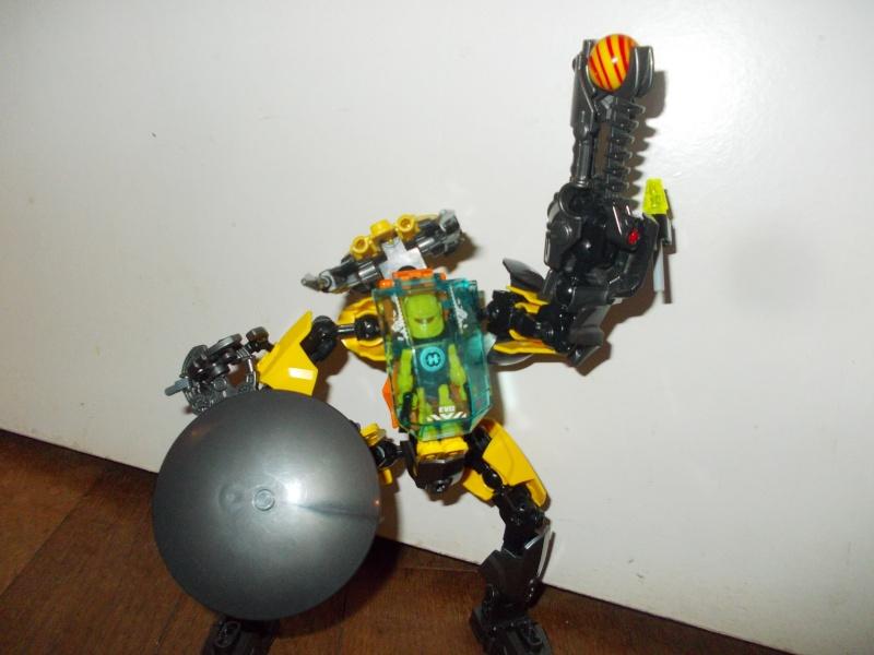 [MOC] Concours été 2014 : Robot de Combat de Evo Dscn4112