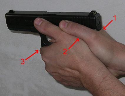 Bonne prise en mains du pistolet à deux mains ? Pqyu11
