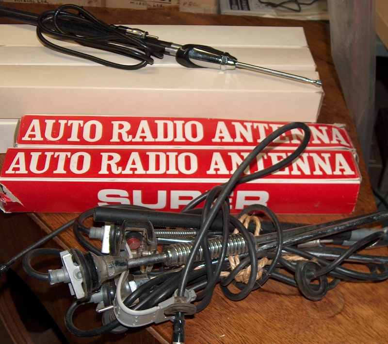 Antennes pour auto radio et convertisseurs Hpim9922