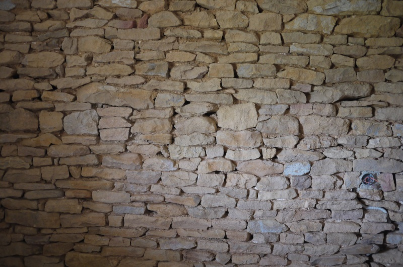 Quelle cuisine avec un mur en pierres apparentes sans joint? P1060613