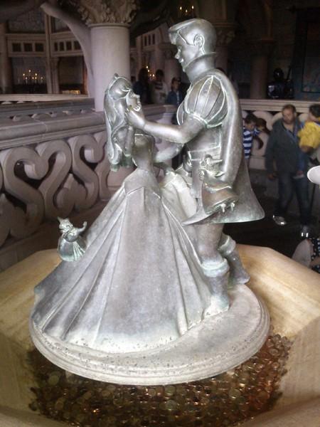 TR : Disneyland sous 3 saisons ^^ Intyri11