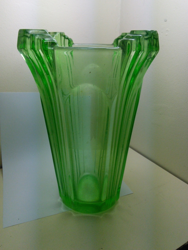 Tall Green Art Deco Vase Img_2016