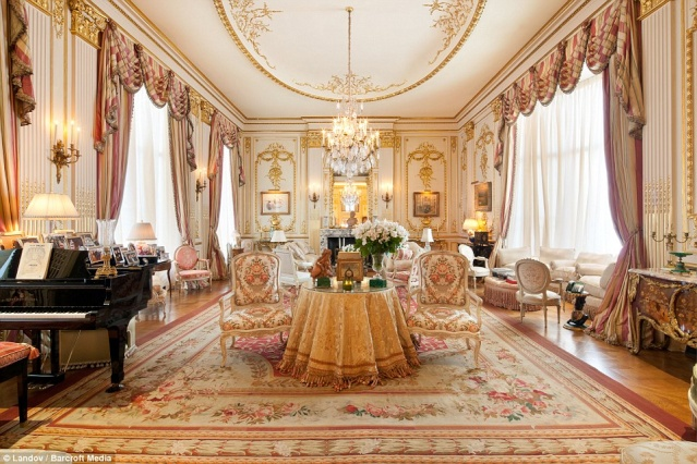 "l'appartement ""Marie-Antoinette"" de la comédienne Joan Rivers 14101710"