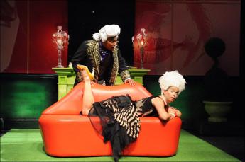 """Marie Antoinette - Let Them Eat Cake"" de David Adjimi au Woolly Mammoth Theatre 20140910"