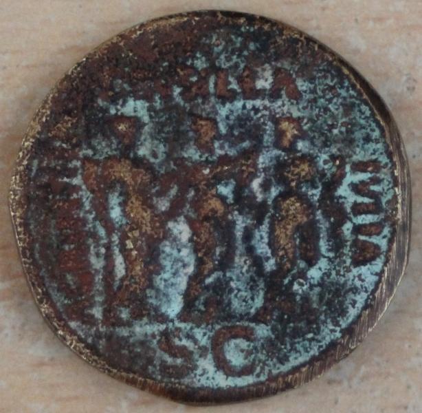 faux moderne de CALIGULA avec ses trois soeurs  Galigu13