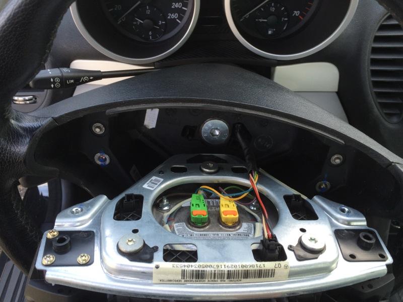 volant - Démontage boutons sur volant? Img_5024