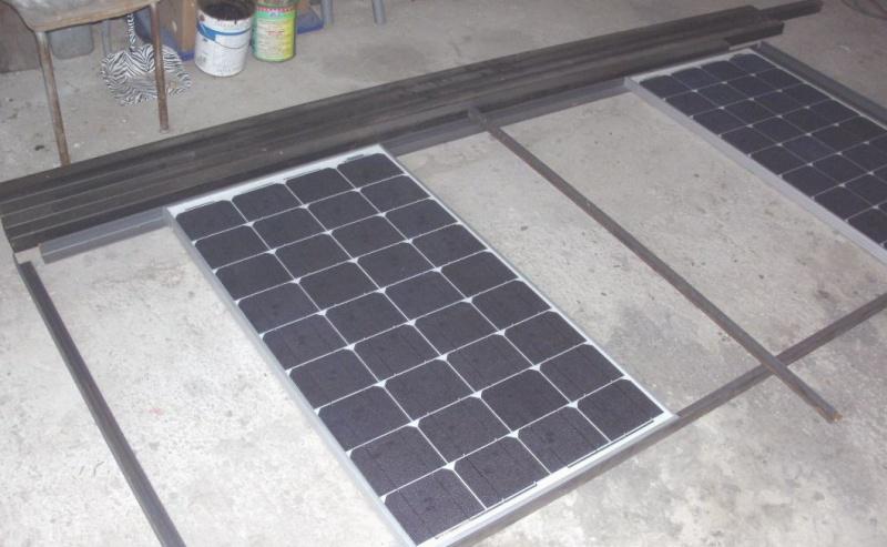 Réalisation d'un cadre photovoltaïque orientable pour injection batteries ou réseau (EDF). 110
