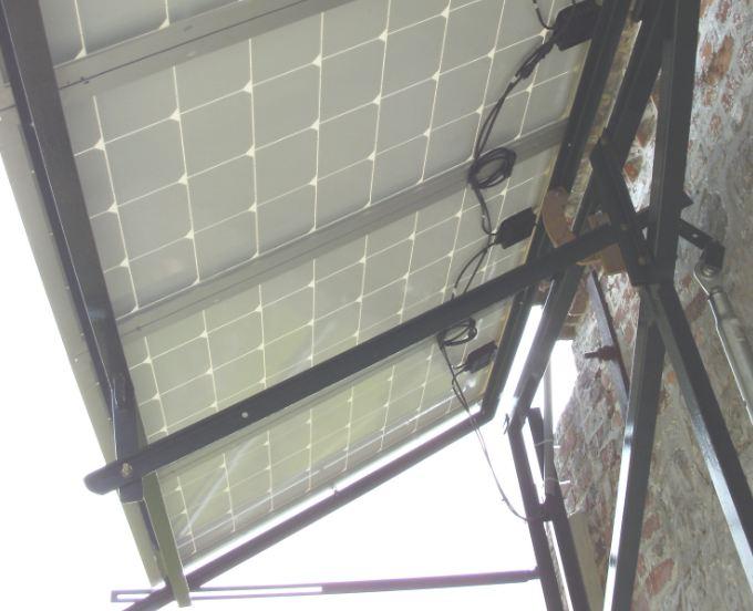 Réalisation d'un cadre photovoltaïque orientable pour injection batteries ou réseau (EDF). 1310