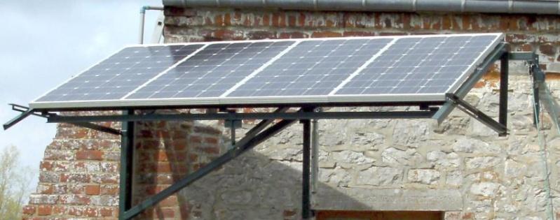 Réalisation d'un cadre photovoltaïque orientable pour injection batteries ou réseau (EDF). 1510