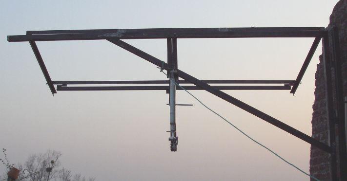 Réalisation d'un cadre photovoltaïque orientable pour injection batteries ou réseau (EDF). 610