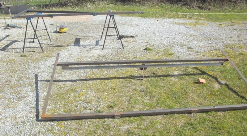 Réalisation d'un cadre photovoltaïque orientable pour injection batteries ou réseau (EDF). 810