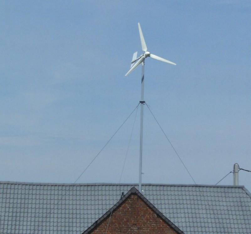 Installation d'une éolienne 750w-24v. En_fon12
