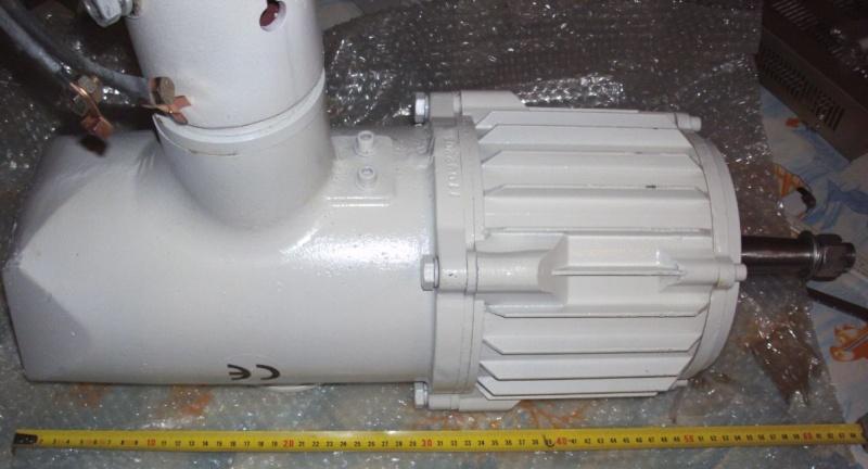 Installation d'une éolienne 750w-24v. Gynyra13