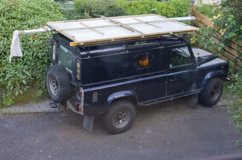Home made lifting roof on a 110 Defender Lr_roo17