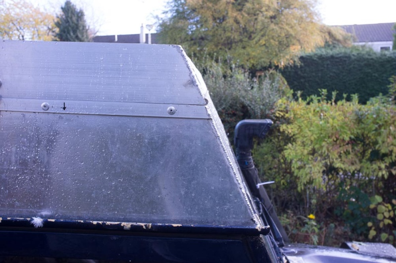 Home made lifting roof on a 110 Defender Lr_roo27