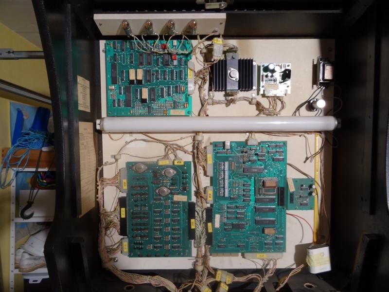 Gottlieb Spring Break Pinball system 80 B - Page 3 Dsc00813