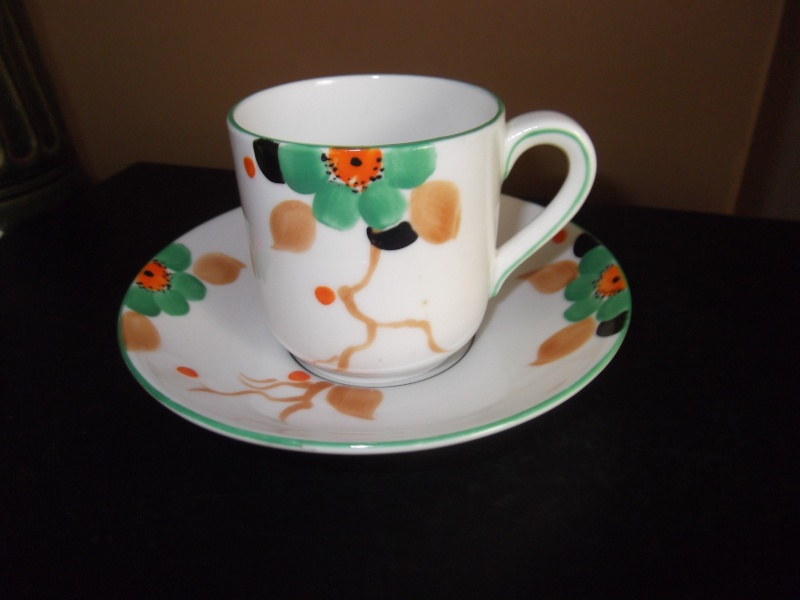 hand painted cup n saucer  Dscf2414