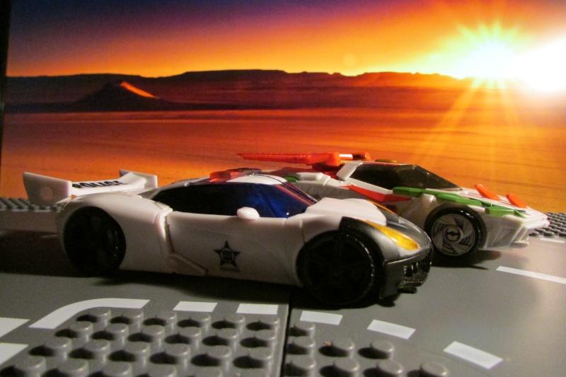 Guerres Transformers! Montrez-moi vos batailles et guerres épiques en photo ici. - Page 5 05110