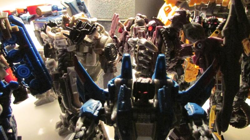 Guerres Transformers! Montrez-moi vos batailles et guerres épiques en photo ici. - Page 5 Decepc11