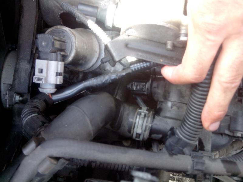 [ VW POLO 9N 1.4 an 2002 ] Emplacement Sonde Liquide Refroidissement (résolu) 2014-011