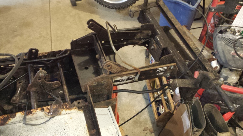 Vtwin Ford Race Mower - Page 2 20141010