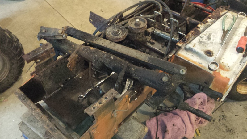 Vtwin Ford Race Mower - Page 2 20141011