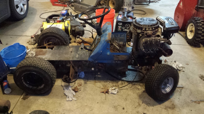Vtwin Ford Race Mower - Page 2 20141216
