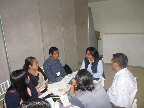 Trabajo de Coordinadores Académicos con los API Img_4529