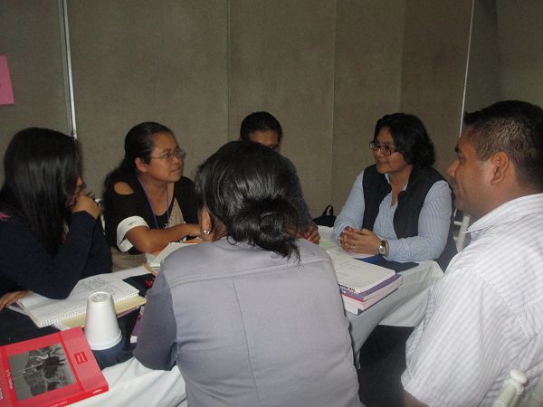 Trabajo de Coordinadores Académicos con los API Img_4534