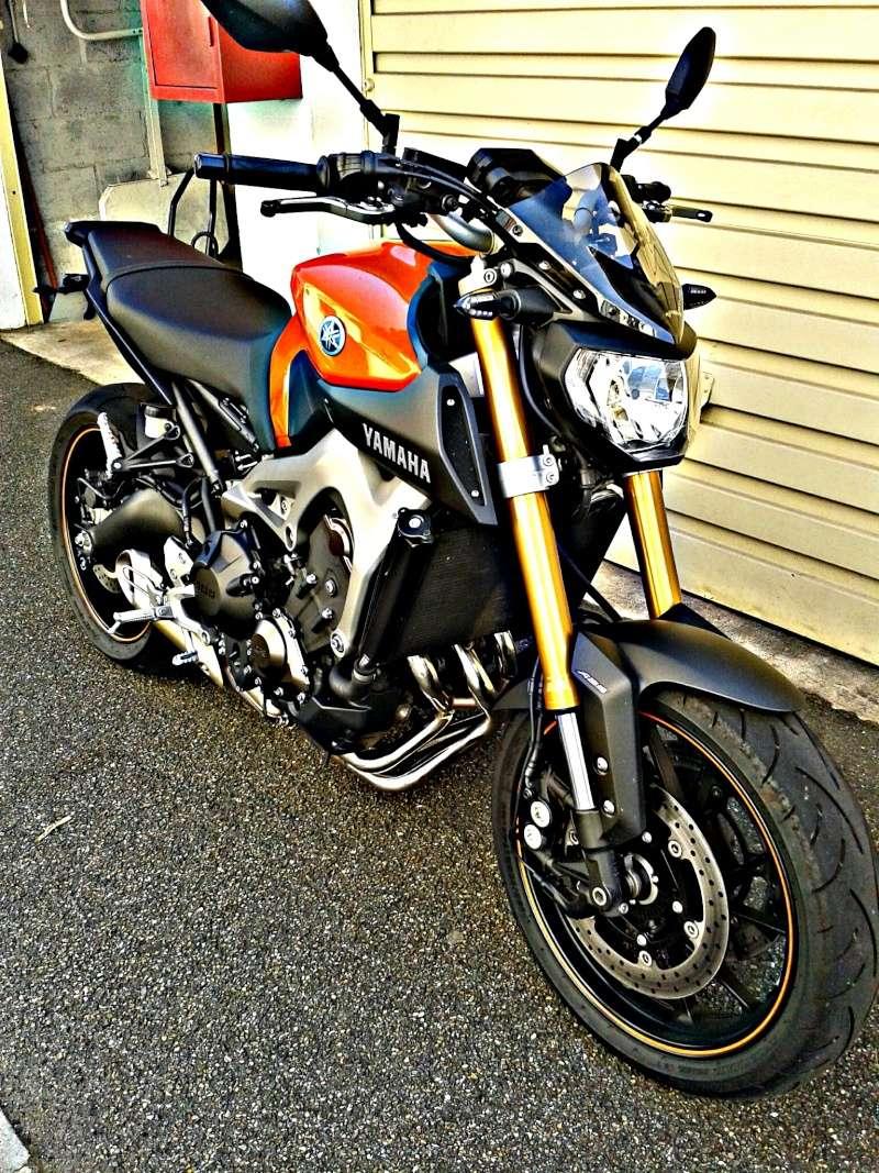 MT09 orange dans le 78! Picsar10