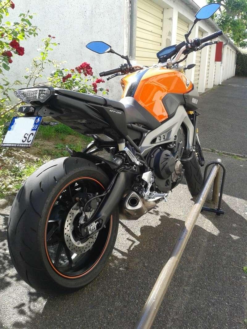 MT09 orange dans le 78! Retouc10
