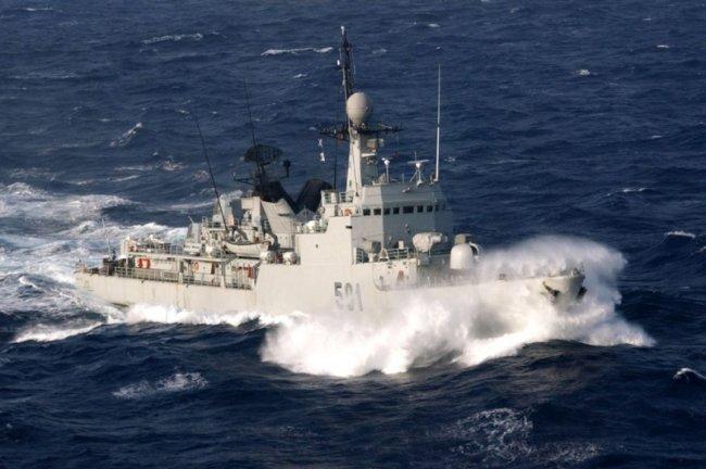 photos de quelques unités de notre flotte navale Marine23