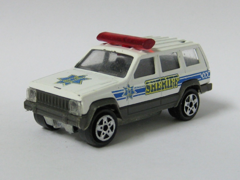 N°285 JEEP CHEROKEE SHERIFF Jeep_c11