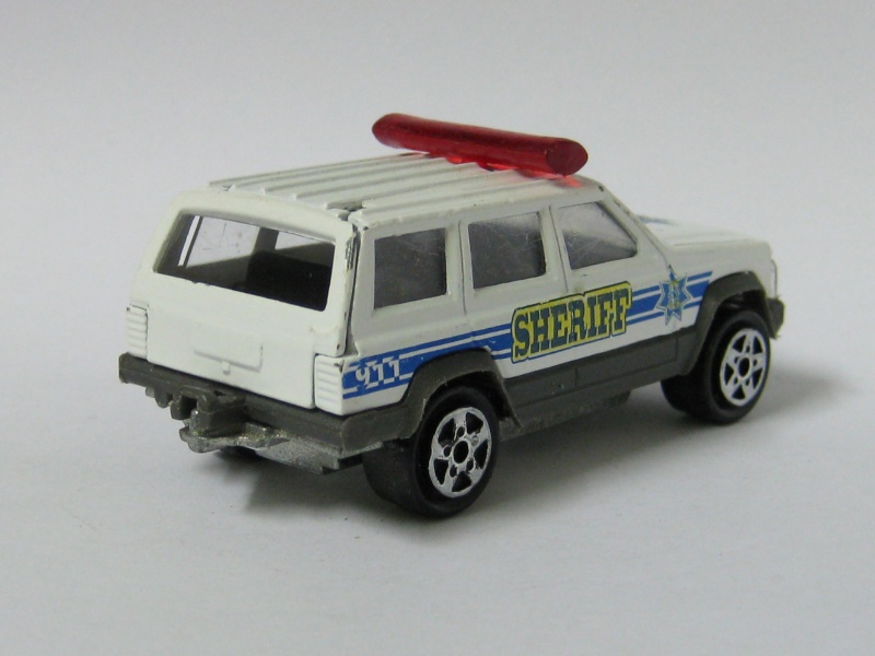 N°285 JEEP CHEROKEE SHERIFF Jeep_c12