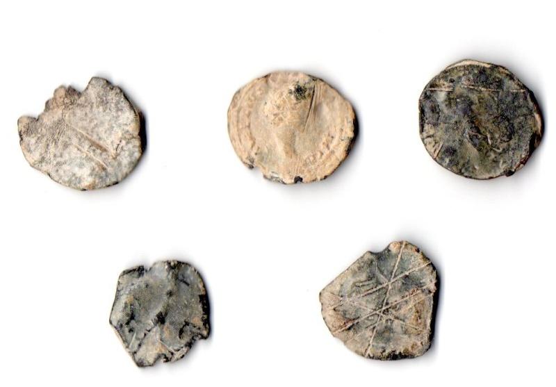 Monnaies romaines en PLOMB....?? 00-rev10
