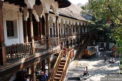 Bucarest, sur les traces de Dracula.Photos, lectures, peintures, vidéos etc... Agv11510